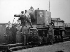 German Pz.Kpfw KV-2 754(r) tank (beute panzer).
