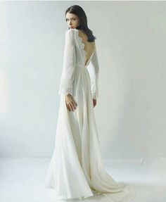 Winter Wedding Gown | Long sleeved wedding dress | fabmood.com #winterwedding #winterweddingdress #weddingown #longsleeve