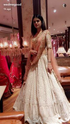 Party Wear Indian Dresses, Indian Bridal Outfits, Dress Indian Style, Indian Gowns, Indian Fashion Dresses, Indian Designer Outfits, Indian Attire, Lehnga Dress, Nikkah Dress