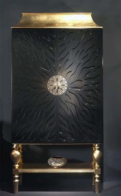 Black and Gold Leaf Cocktail Cabinet . for glamour in the home… Cabinet Furniture, Living Room Furniture, Home Furniture, Furniture Design, Furniture Makeover, Furniture Ideas, Unique Furniture, Luxury Furniture, Painted Furniture