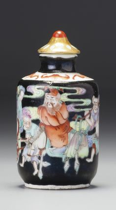 A BLACK-GROUND FAMILLE-ROSE PORCELAIN 'ZHONG KUI' SNUFF BOTTLE QING DYNASTY, DAOGUANG / XIANFENG PERIOD