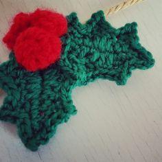 Hojas de Navidad (Acebo) a Crochet   Ahuyama Crochet tutorial ༺✿ƬⱤღ✿༻