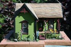 Plan A Dolls' House Collection for Maximum Effect: Starting a Collection of Dollhouse Miniatures With Your Preferred Scale