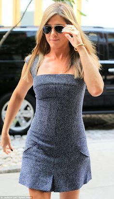 Jennifer Aniston gets back in style in New York City after looking dowdy look on set of Squirrels to the Nuts Famous Celebrities, Celebs, John Aniston, Jennifer Aniston Style, Rachel Green, American Actress, African Fashion, Hot Girls, Beautiful Women