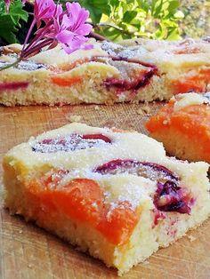 Csak, mert szeretem... kreatív gasztroblog: GRÍZES PITE BARACKKAL ÉS SZILVÁVAL Hungarian Recipes, Sweet Recipes, Mashed Potatoes, Healthy Life, Sandwiches, Recipies, Cheesecake, Food And Drink, Sweets