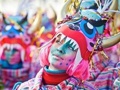 From February 12th to 18th, #Barcelona opens its arms to #Carnival with plenty of crazy costumes, fantastic food, dancing and much more.