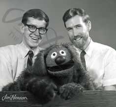 LOVE Sesame Street and the Muppets! ---> Frank Oz, Jim Henson and Rowlf the Dog Jim Henson, Radios, Living Puppets, Frank Oz, Fraggle Rock, Fritz Lang, The Muppet Show, Comedy, Kermit The Frog