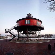TheSeven Foot Knoll Lightwas built in 1855 and is the oldestscrew-pile lighthouseinMaryland. It was located atop Seven Foot Knoll in theChesapeake Bayuntil it was replaced by a modernnavigational aidand relocated toBaltimore's Inner Harboras a museum exhibit.  #djmojicaphotos #travel #photography #boltimore #lighthouse #museum  djmojicaphotos.com