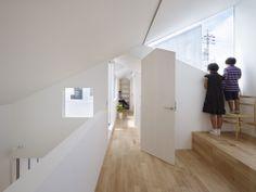 Casa Compleja / Tomohiro Hata