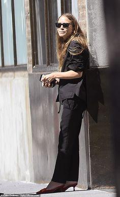 Ashley Olsen Style, Olsen Twins Style, Mary Kate Ashley, Mary Kate Olsen, Celebrity Style Inspiration, Fashion Inspiration, Fashion Line, American Actress, Style
