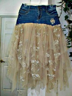 Ruffled tulle and vintage lace jean skirt upcycled denim embellished beige tan rose vintage bohemian Renaissance Denim Couture Made to Order - DIY Clothes Sweater Ideen Denim Vintage, Moda Vintage, Vintage Lace, Upcycled Vintage, Denim And Lace, Lace Jeans, Bohemian Mode, Vintage Bohemian, French Bohemian