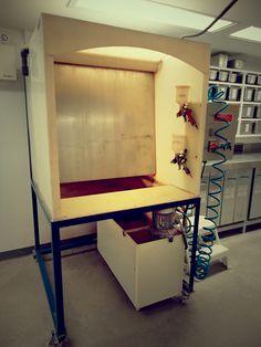 MEDALTA  Waterfall-Spraybooth Garage Tools, Garage Shop, Garage Plans, Garage Workshop, Diy Paint Booth, Spray Paint Booth, Air Brush Painting, Diy Painting, Floors And More