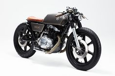 Yamaha XS500 Cafe Racer by Relic Motorcycles #motorcycles #caferacer #motos | caferacerpasion.com