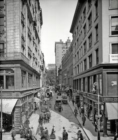 Boston, 1908 (via Shorpy Historical Photo Archive). S)