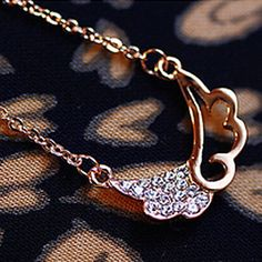 Angel Wings Pendants Fashion hollow diamond wings Korean short paragraph clavicle chain necklace new  N542 – USD $ 0.99
