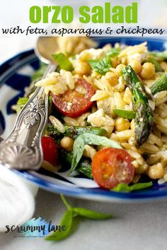 4 Points About Vintage And Standard Elizabethan Cooking Recipes! This Delicious But Simple Orzo Salad With Feta, Asparagus And Chickpeas Goes Perfectly As A Side With Chicken, Fish, Or Steak. It's Also Perfect Party Food Shrimp Salad Recipes, Easy Pasta Recipes, Salad Dressing Recipes, Vegetarian Recipes Easy, Top Recipes, Healthy Salad Recipes, Curry Recipes, Cooking Recipes, Savoury Recipes