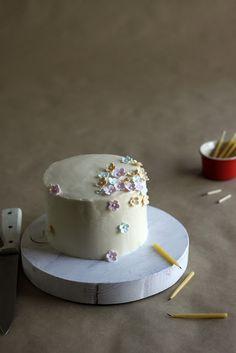 almond, cherry & white chocolate cake.