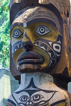 https://flic.kr/p/5kEMg5 | Native American totem pole at the Museum of Anthropology in Vancouver, Canada