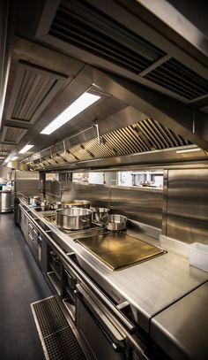 Basement kitchen at the new Annabel's, Mayfair, London. Restaurant Kitchen Equipment, Restaurant Kitchen Design, Bakery Kitchen, Restaurant Interior Design, Kitchen Interior, Small Kitchen Plans, Kitchen Layout Plans, Commercial Kitchen Design, Commercial Kitchen Equipment
