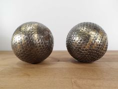 2 boules lyonnaises anciennes – Old french petanque balls de la boutique nestfrance sur Etsy