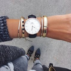 Remake Your Wardrobe By Purchasing New Accessories Trendy Watches, Cool Watches, Pinterest Jewelry, Daniel Wellington Watch, Mode Blog, Accesorios Casual, Modern Jewelry, Montpellier, Fashion Watches