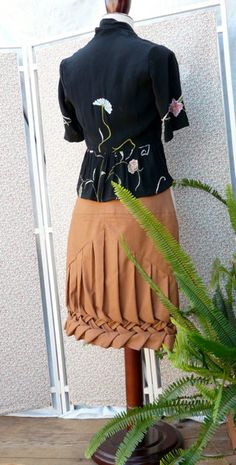 Hazelnut organic cotton skirt with decorative by Contrapunt, €100.00