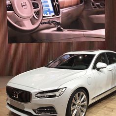 Exquisitely designed inside and out. The All-New Volvo Luxury reimagined for the modern world. Volvo Models, Volvo S90, Detroit Auto Show, Cars Usa, Volvo Cars, Luxury Cars, Nissan, Dreams, Modern