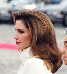 Queen Rania of Jordan Queen Rania, Hair Creations, Hair Makeup, Royalty, Long Hair Styles, Face, Beauty, Color, Royals