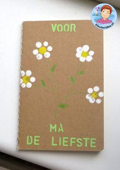 Notitieblokje stempelen, kleuteridee.nl, moederdag voor kleuters