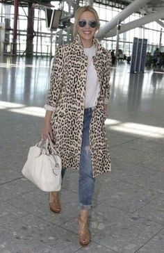 Leopard coat - I love this casual sophisticated look Mode Outfits, Winter Outfits, Casual Outfits, Fashion Outfits, Womens Fashion, Dress Casual, Ladies Fashion, Fashion Clothes, Street Looks
