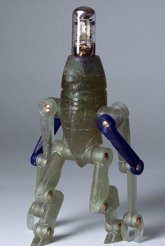 glass robot, height: 30 cm #glassrobot #glassart #glass #robot #electrotube