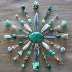 how to use crystals to make a crystal grid or crystal mandala for crystal healing - healing properties of crystals - boho home decor - chakra healing Crystal Shop, Crystal Magic, Crystal Grid, Crystal Healing, Chakra Healing, Minerals And Gemstones, Crystals Minerals, Stones And Crystals, Gem Stones
