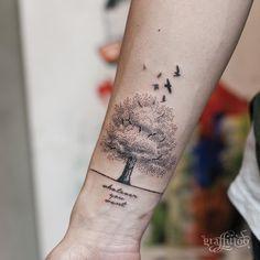 Tree Thanks Danny :) - #타투 #그라피투 #타투이스트리버 #디자인 #그림 #디자인 #아트 #일러스트 #tattoo #graffittoo #tattooistRiver #design #painting #drawing #art #Korea #KoreaTattoo #tree #birds #dot #나무 #새 #점묘타투
