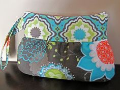 "Scrappy Clutch Bag - Free Sewing Tutorial  by Christine of ""From an Igloo"" + Top-stitching Video"