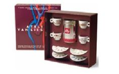 illy art collection 2005 New never used in the original gift box with illy Signed and numbered - Espresso cups and saucers. Espresso Cups, Cup And Saucer, Liquor Cabinet, Van, The Originals, Holiday Decor, Gifts, Collection, Atelier