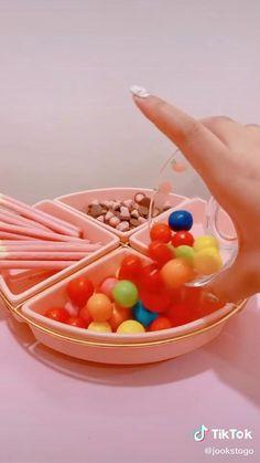 Cute Snacks, Cute Food, Yummy Food, Japanese Candy, Japanese Food, Kawaii Room, Gamer Room, Aesthetic Food, Food Videos
