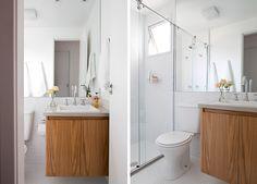 Banheiro da Cátia. Pastilha hexagonal, bancada de concreto, marcenaria em carvalho americano #carvalhoamericano #concreto #pastilha #bathroom #banheiro