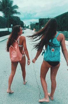 There's no one like your BFF! Here some cute phot ideas for that BFF goal! Best Friend Pictures, Friend Photos, Shooting Photo Amis, Photo Pour Instagram, Instagram Travel, Summer Photography Instagram, Surfergirl Style, Best Friend Fotos, Bff Pics