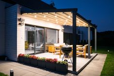 We can't wait for Summer!☀️ Whether you require a stand-alone or lean-to outdoor space, Tarasola have you covered for those evening BBQs. Add lights to your Tarasola structure so there's no need to worry if the sun starts setting. Modern Pergola Designs, Backyard Patio Designs, Modern Backyard, Backyard Landscaping, Lanai Patio, Pergola Patio, Pavilion Architecture, Sustainable Architecture, Residential Architecture