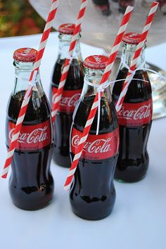 For a party with a twist, why not base it on your favourite cola? Check out our Coca-Cola Party Ideas for a fun and bubbly way to celebrate your Birthday. Retro Party, Vintage Party, Vintage Tea, Vintage Signs, Retro Vintage, Christmas Party Drinks, Kids Christmas, Wedding Favors For Guests, Party Guests