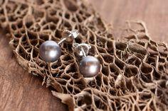 Black Pearl / 14k White Gold Earrings