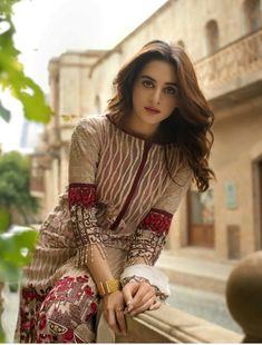 Pakistani Formal Dresses, Pakistani Party Wear, Pakistani Fashion Casual, Pakistani Dress Design, Indian Fashion, Casual Dresses, Fashion Dresses, Simple Dresses, Elegant Dresses