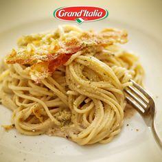 Tada! Een vertrouwde combinatie, pancetta en Funghi Porcini saus. Wat is jouw favoriete #pastacreatie?