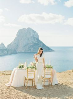 Ethereal Rose Quartz Bridal Inspiration in Ibiza, spanish wedding, sweetheart table, destination