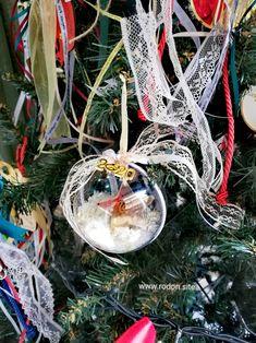 χειροποίητα γούρια www.rodon.site Plant Hanger, Christmas Ornaments, Holiday Decor, Plants, Home Decor, Xmas Ornaments, Homemade Home Decor, Christmas Jewelry, Christmas Ornament