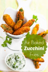 Baked Zucchini Fries Recipe Air Baking is so much better than frying food in oil. This air baked zucchini fries recipe is so good that no one will ever know how you did it! Zucchini Pommes, Bake Zucchini, Zucchini Fries, Zucchini Sticks, Veggie Fries, Junk Food, Nuwave Air Fryer, Actifry Recipes, Air Frier Recipes