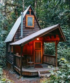Cabins And Cottages: And yet another pretty little cabin in the woods.You can find Little cabin and more on our website.Cabins And Cottages. Small Log Cabin, Tiny Cabins, Tiny House Cabin, Little Cabin, Log Cabin Homes, Cabins And Cottages, Tiny House Design, Small House Plans, Little Houses