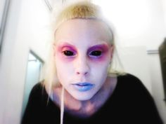 Yo-Landi Visser, lead vocalist of South-African rap-rave group; die antwoord. Would make for a gr8 Alien. Die Antwoord, Marilyn Manson, Kurt Cobain, Yolandi Visser, Face Art, Style Icons, Image, Street Culture, June 22