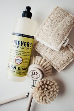 Simple & Safe Cleaning | Merfleur  #non-toxic #mrsmeyers #amber #glass #twist #drbronners #redecker #wood #natural