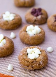 ShowFood Chef: Pumpkin Pie Cookies Whoopie pies! Only need 4 ...